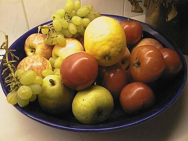 fruit-1252555-640x480.jpg