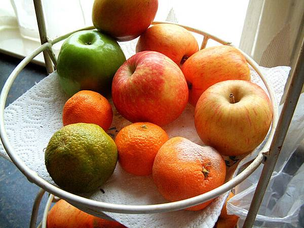 fruit-1498862-640x480.jpg