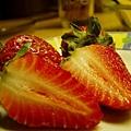 strawberry-02-1537723-640x480.jpg