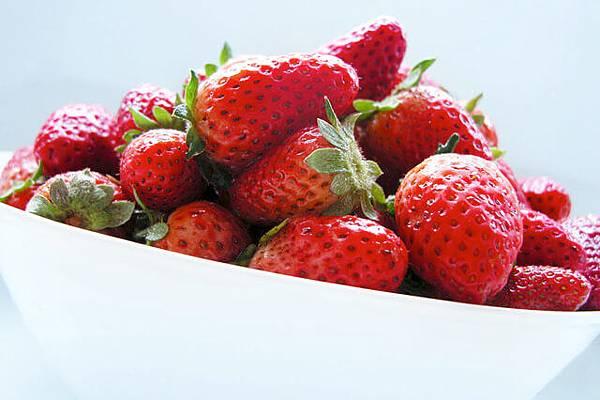 strawberry-1329551-640x426.jpg