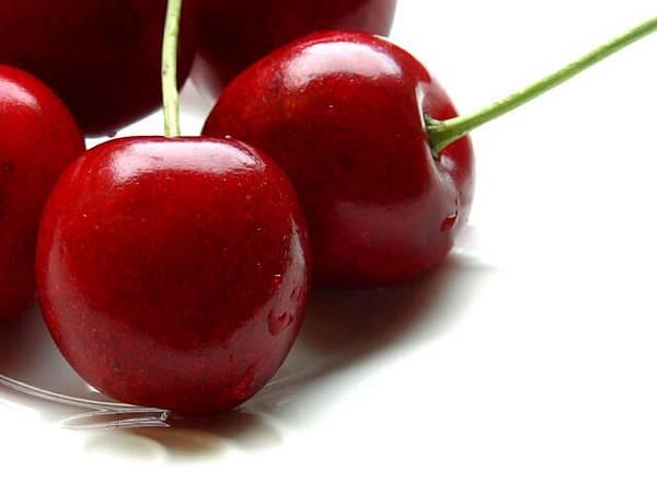 cherries-1330073-640x480.jpg