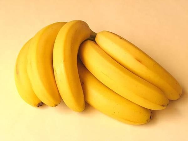 bananas-1326987-640x480.jpg