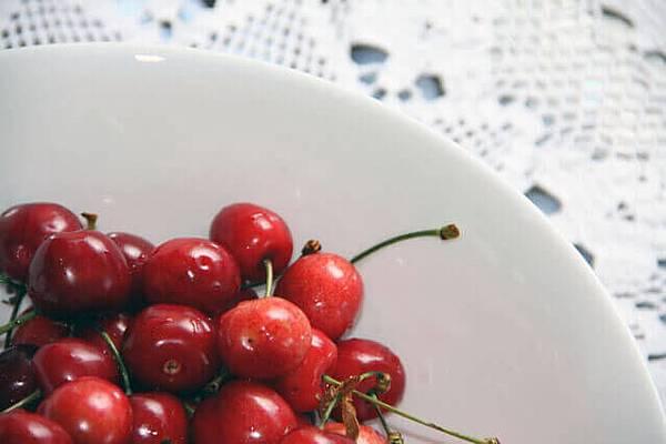 cherry-1317926-639x425.jpg