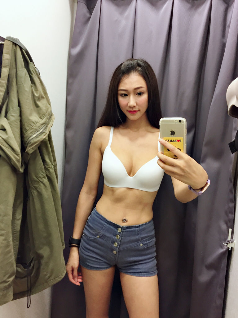 女生無鋼圈內衣~全新進化3D立體罩杯UNIQLO無鋼圈美型胸罩實穿報告【丁小羽開箱篇】
