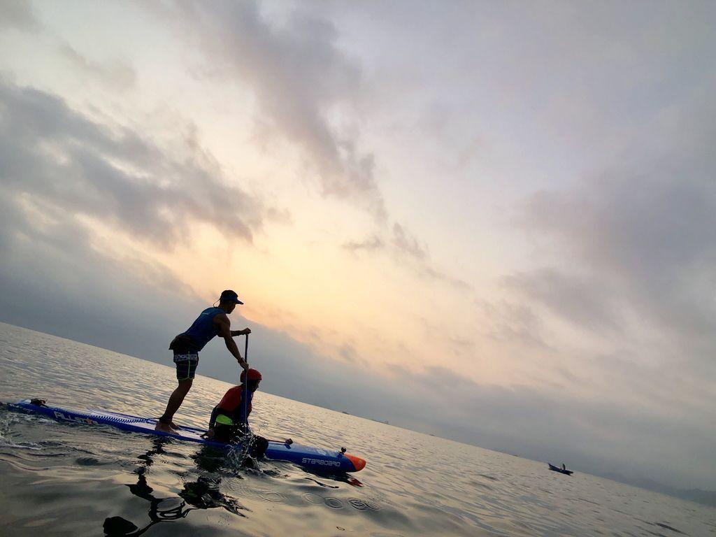 北海岸旅遊之在維納斯海岸乘著獨木舟一起看日出!【丁小羽旅遊篇】