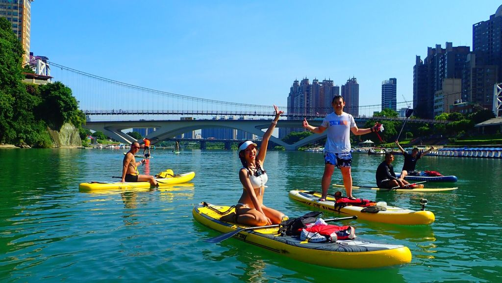 台北一日遊新玩法!今年夏天一定要玩的水上運動-SUP立槳衝浪【丁小羽旅遊篇】