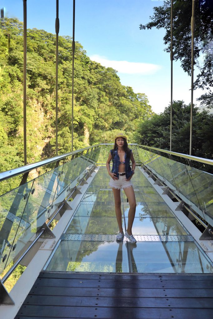 桃園景點-小烏來瀑布!踏上天空步道和天空繩橋感覺漫步在雲端【丁小羽旅遊篇】