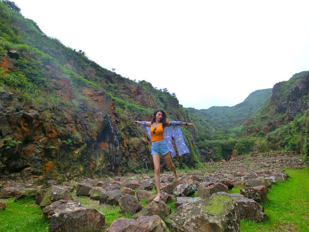 新北瑞芳景點-本山礦場跟金瓜石地質公園!充滿謎團的神秘石頭陣