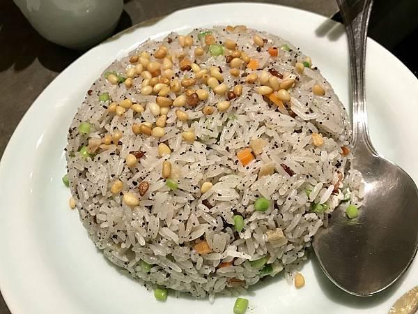 微風南山唯一的素食餐廳!號稱香港最強的素食料理-心齋