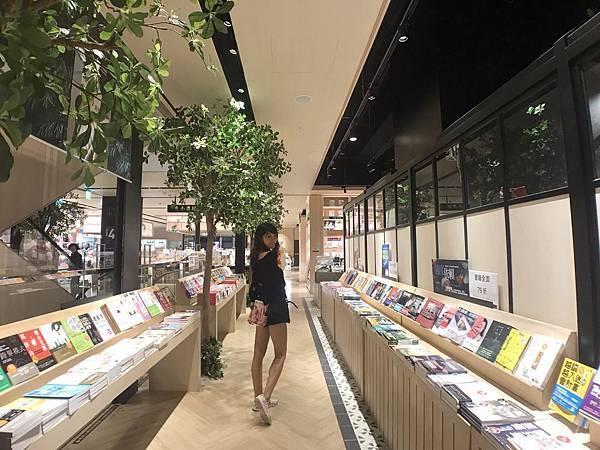 樹林秀泰生活影城-複合式商場結合電影院,是你休閒、美食、逛街的好去處