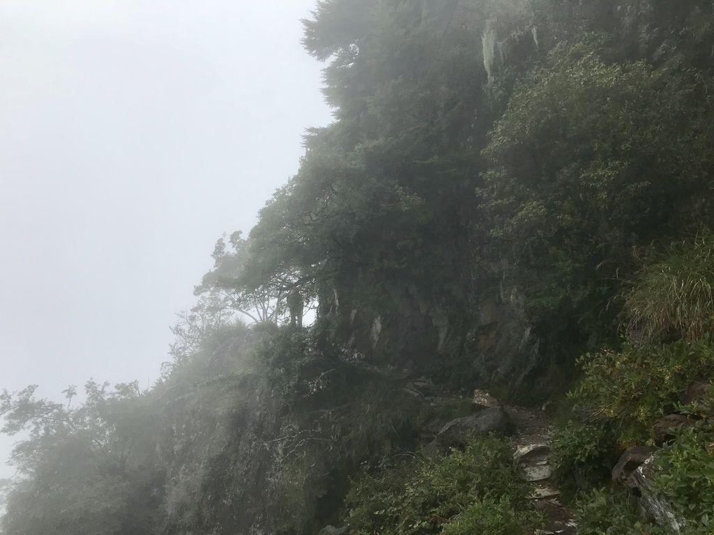 台灣百岳-台灣第一高峰-探訪玉山主峰!欣賞玉山的美【丁小羽登山篇】
