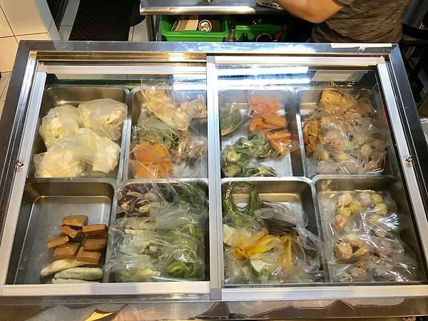 三重素食-田園居食堂的蔬食滷味,給你最天然的有機素食料理