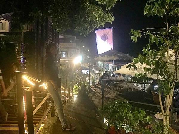 烏來一日遊之逛逛夜晚的烏來老街,吃吃烏來美食,看看烏來夜景