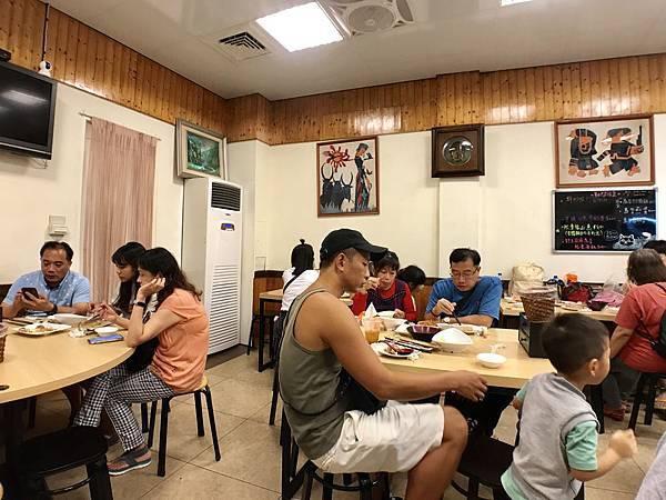 烏來美食推薦-烏來老街的人氣美食,阿春美食是你到烏來必吃的餐廳