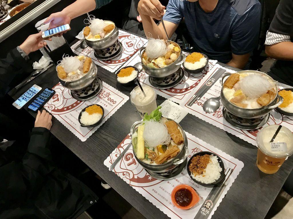 台中美食-台中一中街美食推薦- CP值超高的偈亭泡菜鍋