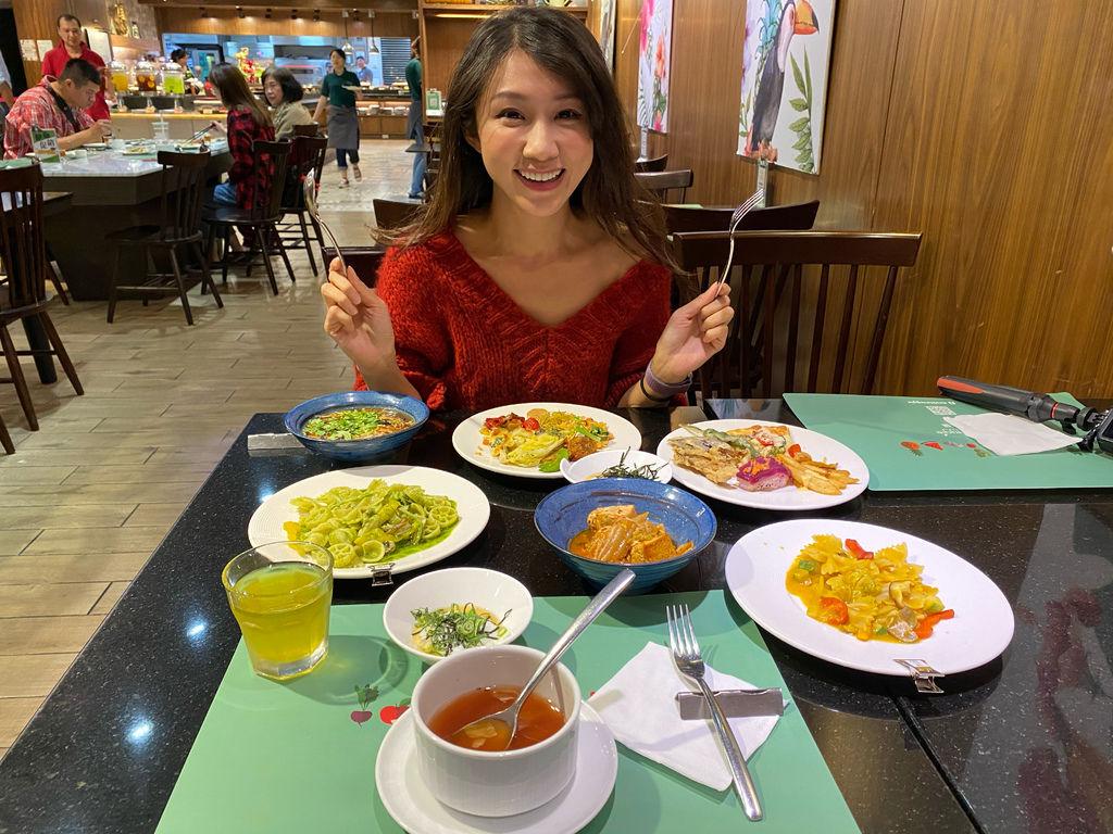 高雄素食餐廳-蔬食料理吃到飽!高雄捷絲旅的Double Veggie蔬食百匯