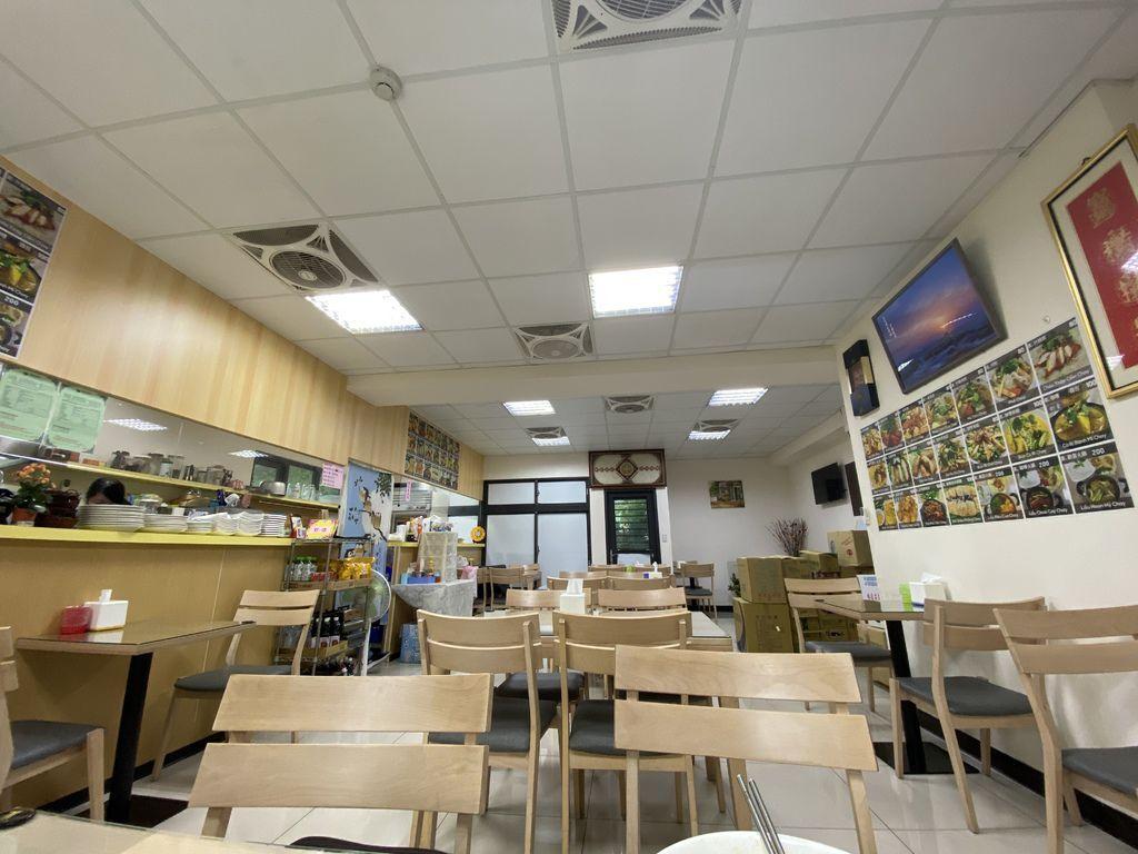 桃園夜市附近的素食餐廳,給你越南口味的素食料理-歡喜吃素