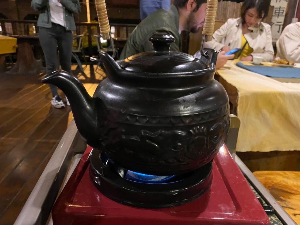 一起到高雄六龜的順發茶園品茶!品嘗全台唯一的台灣原生山茶