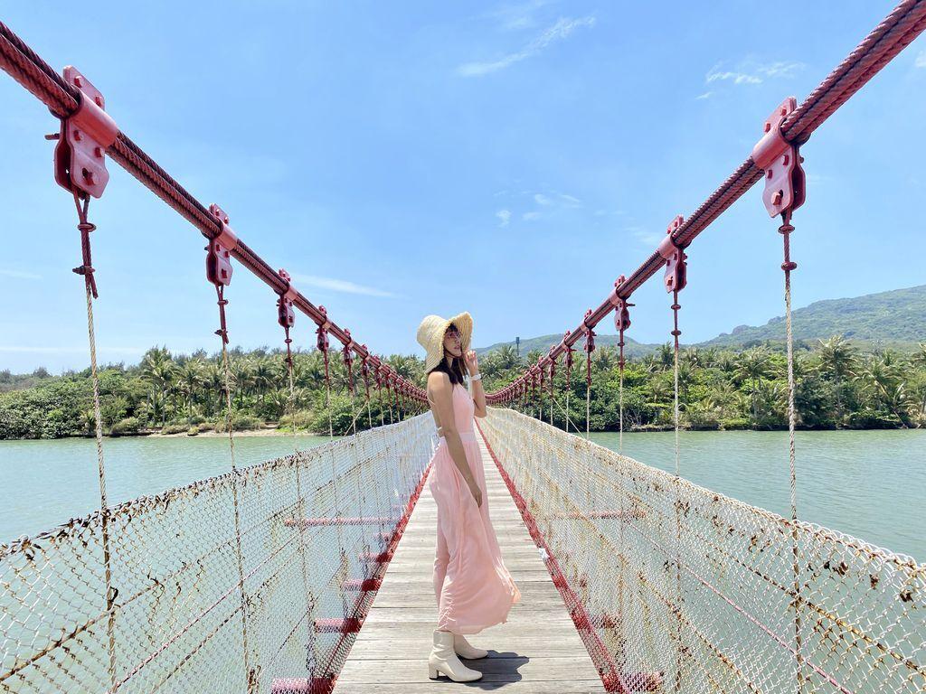 屏東滿州景點-在港口吊橋欣賞超美出海口及走訪濕地公園