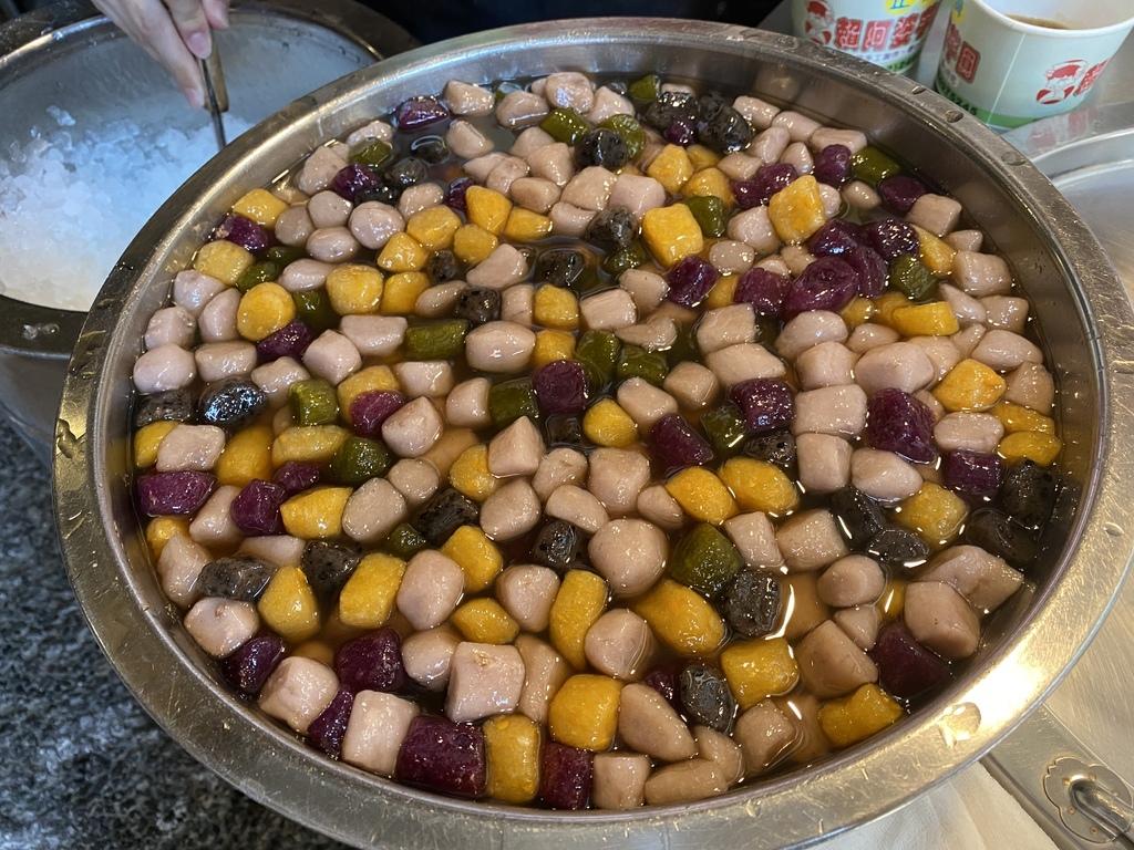 必吃的九份美食!九份老街裡傳承四代的賴阿婆芋圓