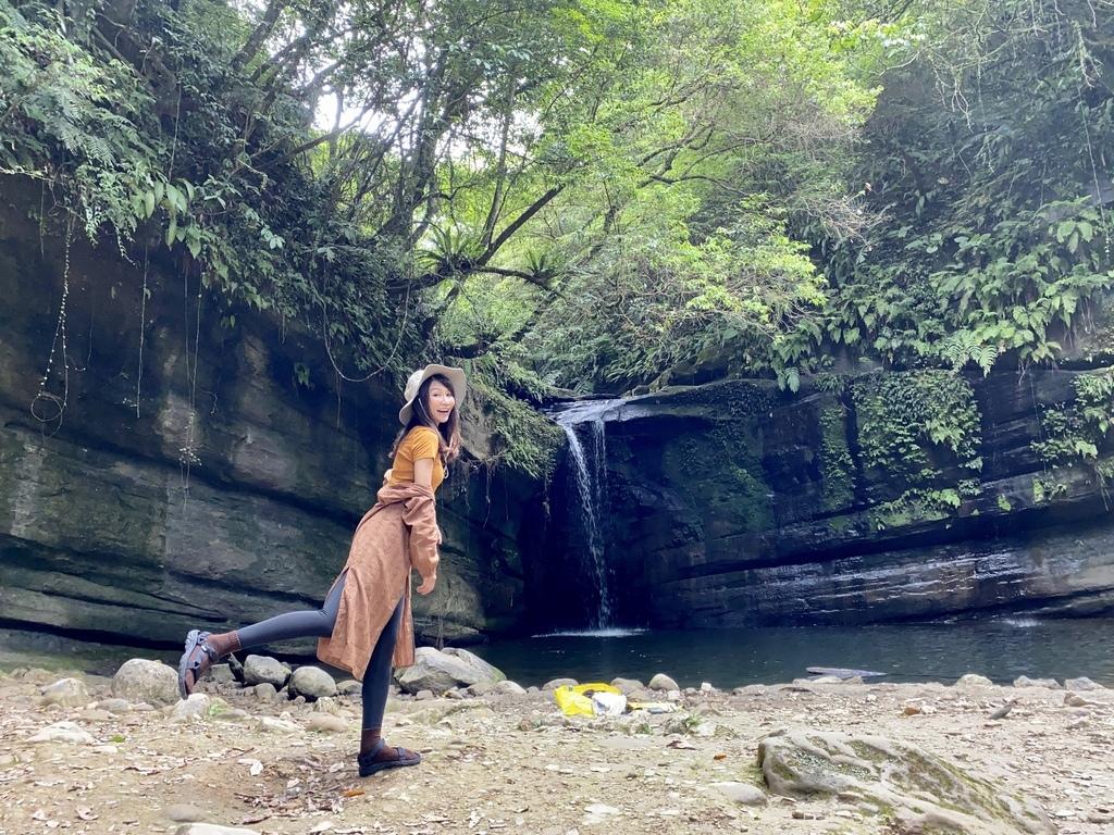 平溪瀑布景點-環境清幽的簾幕式瀑布-望古瀑布