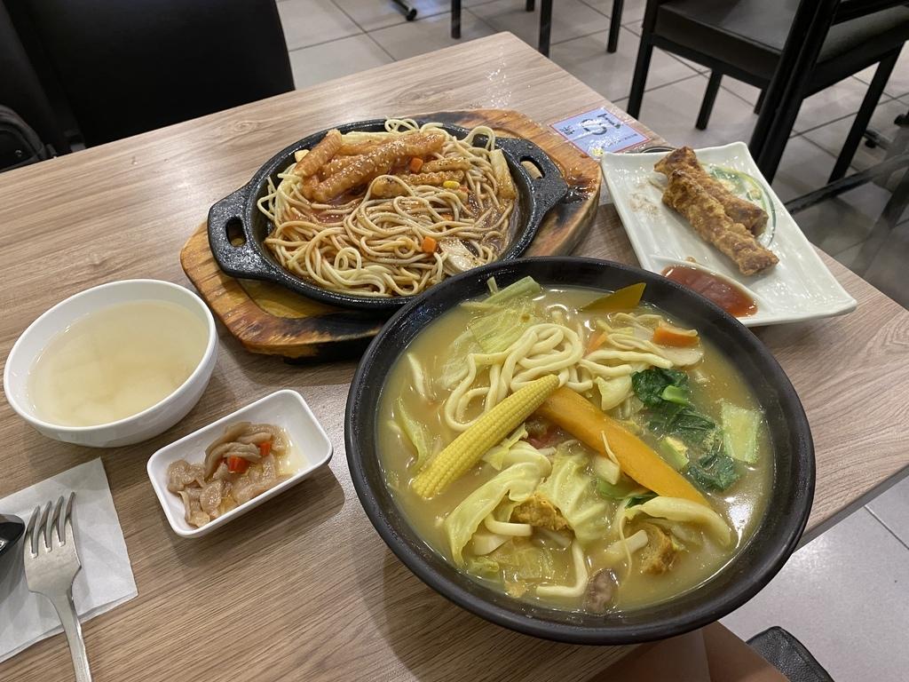 在西門町吃素食料理的好選擇-全真素食火鍋鐵板燒(西門店)
