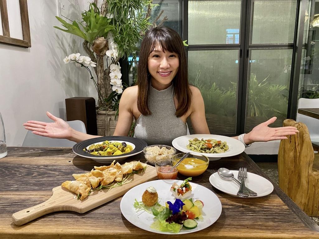 結合蔬食料理、花草、藝術的恆春蔬食餐廳-恆好