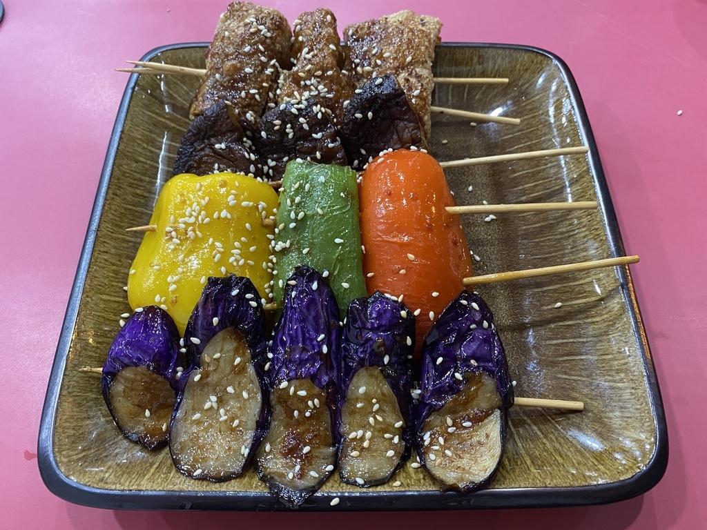 台南素食燒烤店-名湘園素食燒烤,想吃素食串燒就來這!