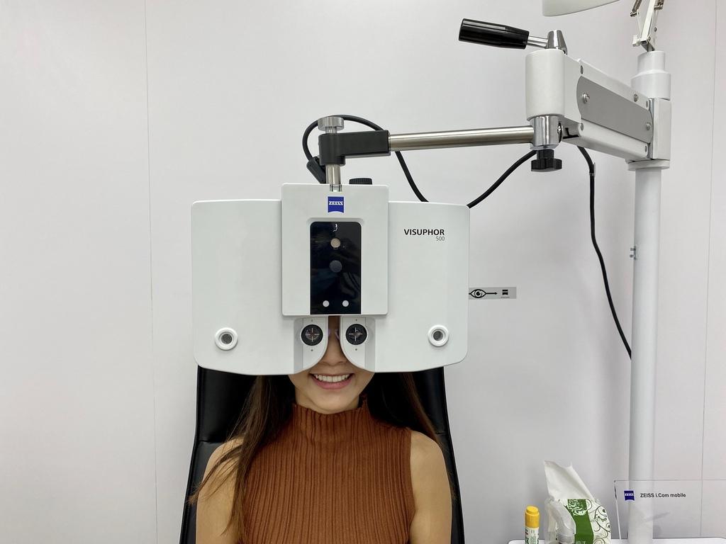 治療近視就靠他!SMILE全飛秒近視雷射手術,讓你重新看見新視界