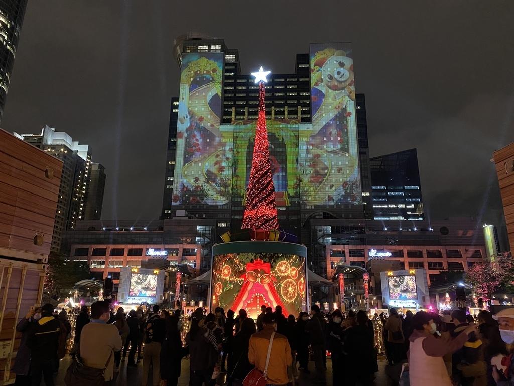 2020新北歡樂耶誕城!迪士尼聖誕派對,四大燈區跟八大光廊一定要去