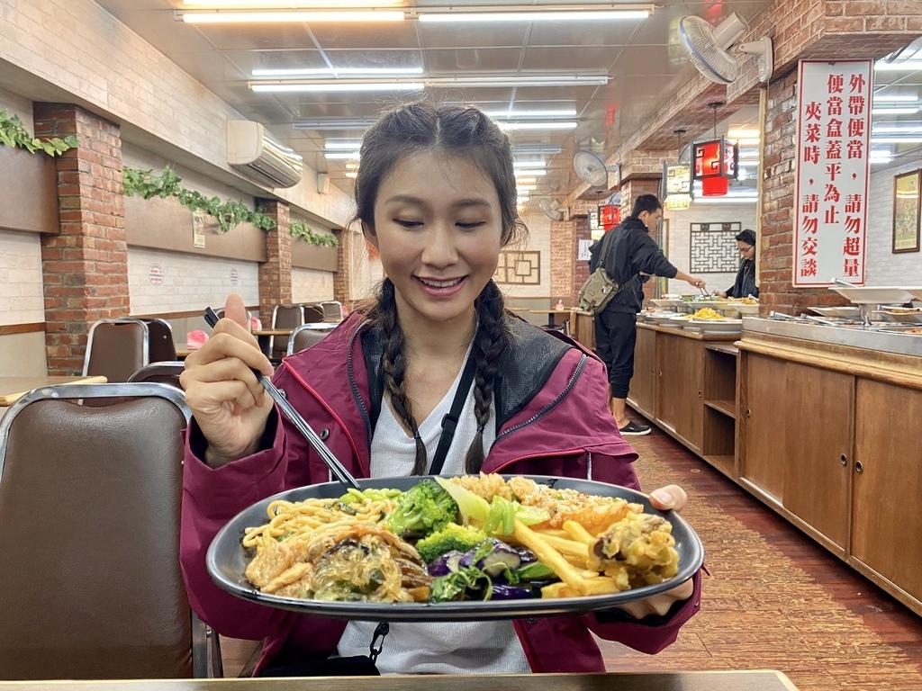 宜蘭羅東素食吃到飽自助餐-心悅齋素食館,只要百元就可以讓你素食吃到飽