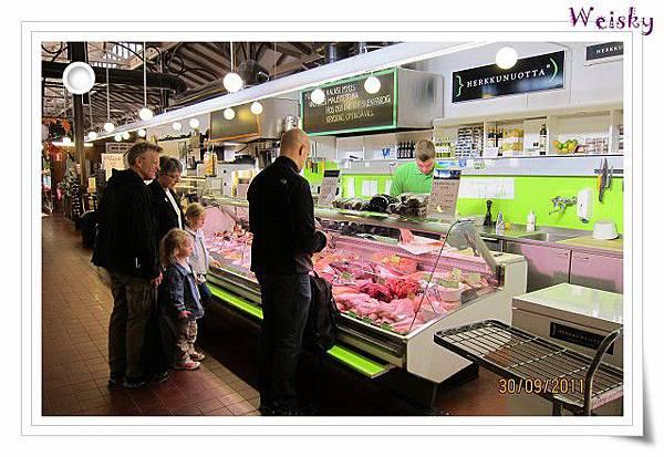Turku inside market(肉品&海鮮).jpg