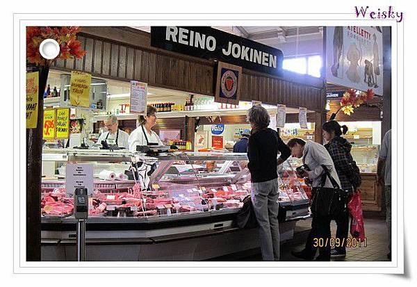Turku inside market(肉品).jpg