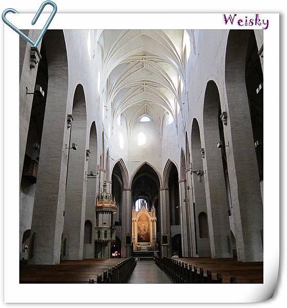 Turku cathedral (天頂).jpg