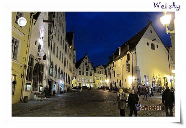 愛沙尼亞-舊城區夜景.jpg