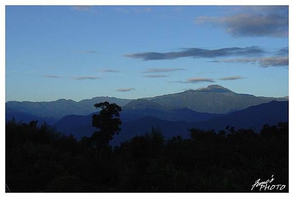 遠眺中央山脈
