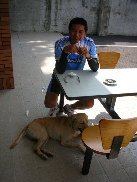 老人與狗.JPG