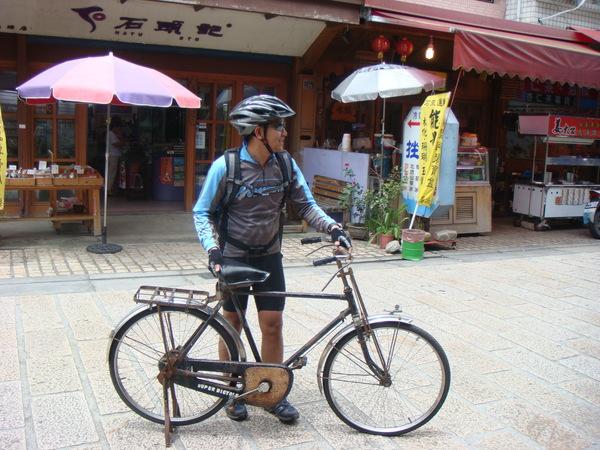 傑哥的最新坐騎~偷買的.JPG