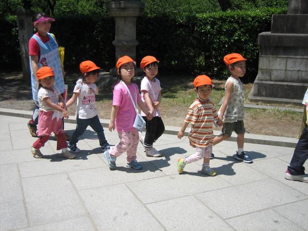 北野天滿宮修業旅行的小學生
