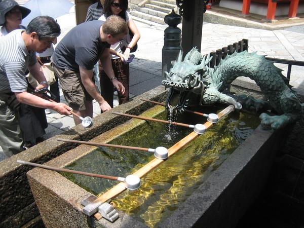 清水寺入本堂前的淨手池