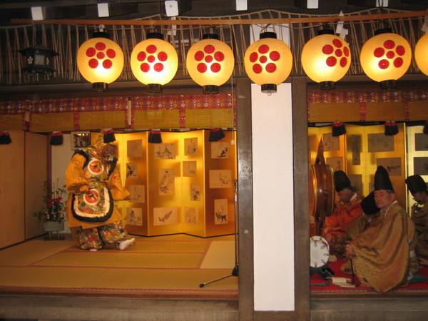 錦市場裡的北野天滿宮正在舉行祭典