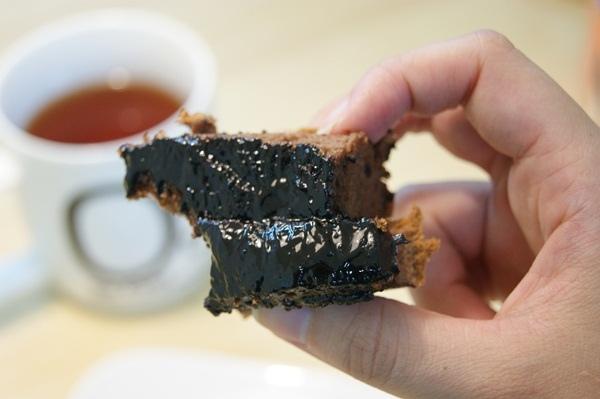 蓁古早味爆漿巧克力蛋糕