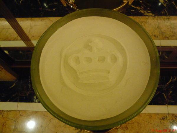澳門室內不禁煙, 酒店內到處都有它Logo的大大煙灰缸