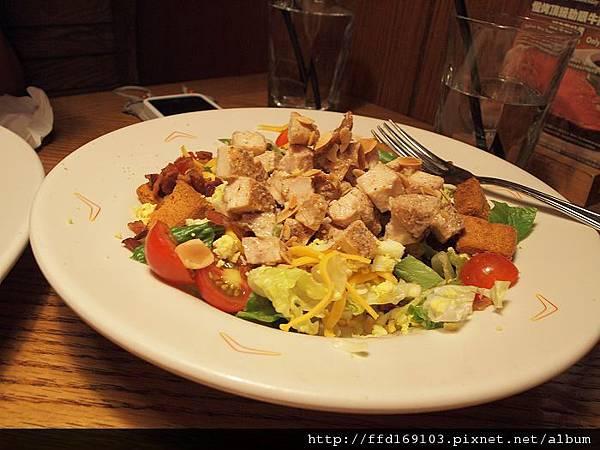 雞肉或鮮蝦凱撒沙拉
