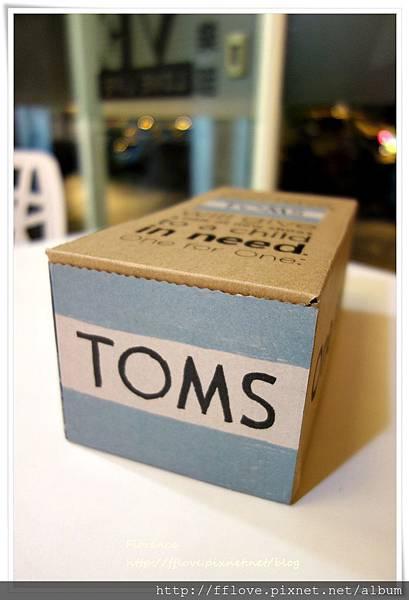 TOMS 鞋5.JPG