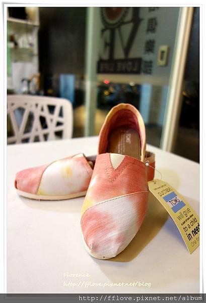 TOMS 鞋8.JPG