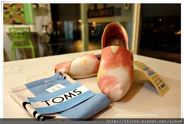 TOMS 鞋10.JPG