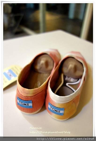 TOMS 鞋17.JPG