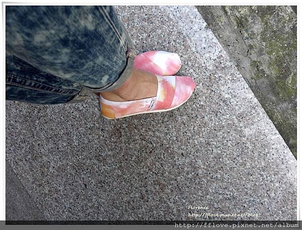 TOMS 鞋50.JPG