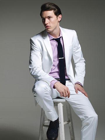 白色西裝.jpg